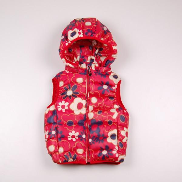 Фото: Красный жилет для девочки с цветочным принтом (артикул Gp 10008-red)