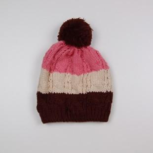 . Полосатая шапка с помпоном