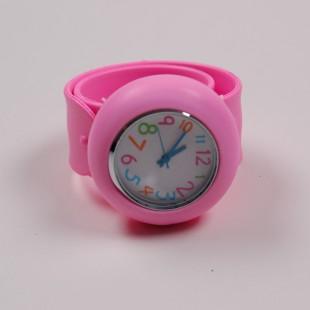 Часы круглые с нежно-розовым ремешком