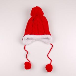 Зимняя шапка красного цвета