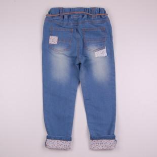 Фото: Стильные детские джинсы с отделкой вышивкой и подворотами (артикул Z 60263-jeans) - изображение 4