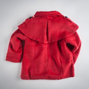 Фото: Красное пальто с накидкой на плечах (артикул O 10104-red) - изображение 4