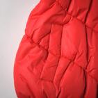 Фото: Красная дутая жилетка с рюшами (артикул O 10057-red) - изображение 6