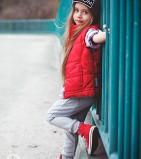 Фото: Красная дутая жилетка с рюшами (артикул O 10057-red) - изображение 8