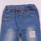 Фото: Стильные детские джинсы с отделкой вышивкой и подворотами (артикул Z 60263-jeans) - изображение 5
