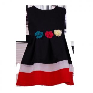 Теплое платье для девочки с цветами на поясе